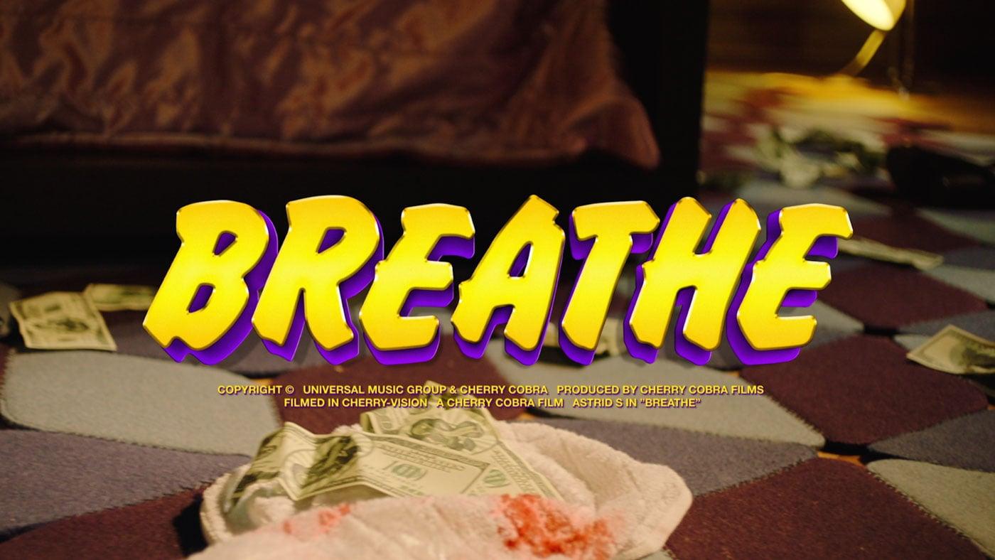 Astrid-S_Breathe_09